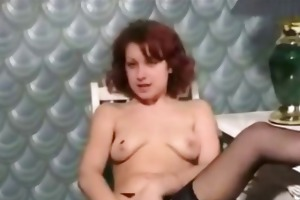 dilettante d like to fuck riding a sybian