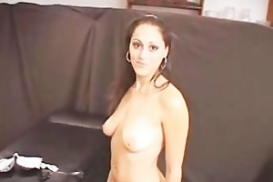 party hotty getting herself off on the sybian
