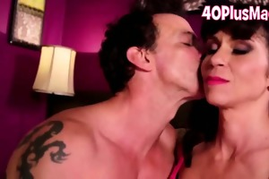 diminutive love melons divorcee acquires a