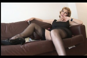 aged english blond playgirl in nylons upskirt