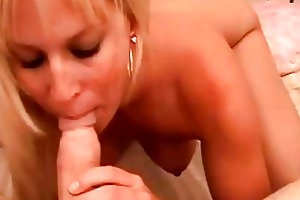 blond d like to fuck with tight a-hole sucks hard