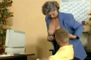 avid old mama receives rod screwed in the office