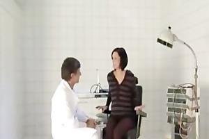 doctor copulates a preggy wife (dialogue in