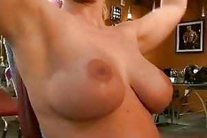 hawt hot mother i austin taylor crouches wild on