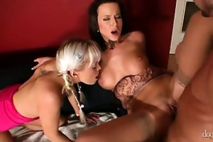 mamma and daddy are fucking my allies vol 03