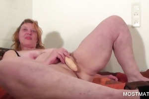 mature sweetheart vibing her pink vagina