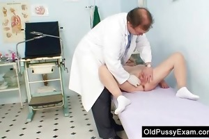 golden-haired grandma perverted snatch exam with