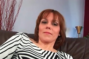 mature mommy widens her shaggy and juicy bawdy