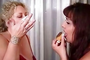 milfs playing with their food