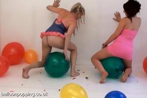 demi scott and mel pop balloons!