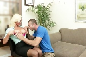 big-tit d like to fuck doctor rhylee richards