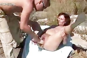 horny d like to fuck receives her curly muf